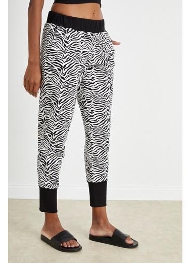 Curly Zebra Desen Paçası Bantlı Eşofman Altı Siyah